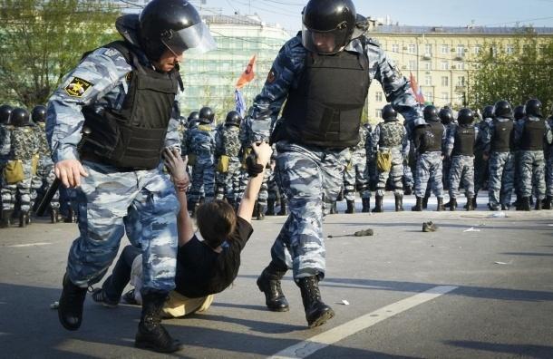 Гриппующих и протестующих оштрафуют за марлевую повязку