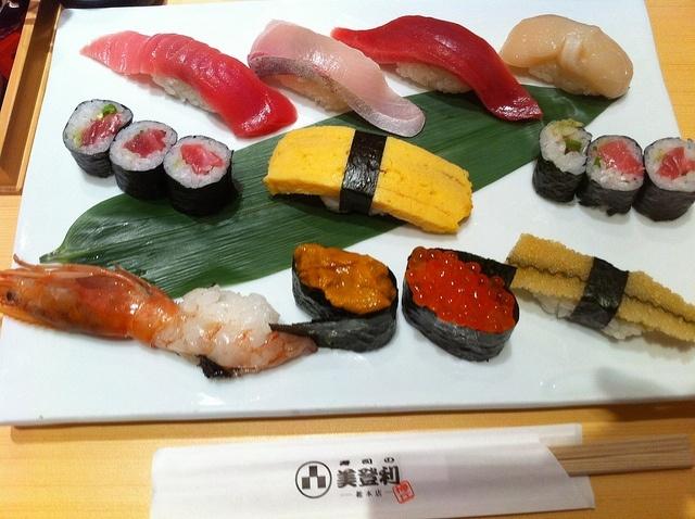 Суши, суси, японская кухня: Фото