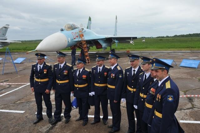 """""""Стрижи"""" и """"Русские витязи"""" на авиасалоне в Пушкине: Фото"""