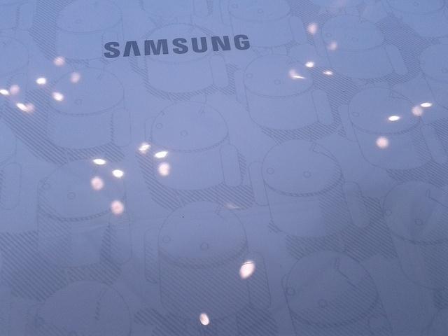 Samsung Galaxy Tab 10.1: Фото