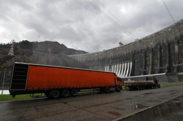 Годовщина аварии на Саяно-Шушенской ГЭС: Фото