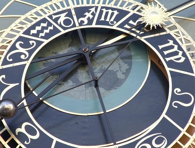 Часы: Фото