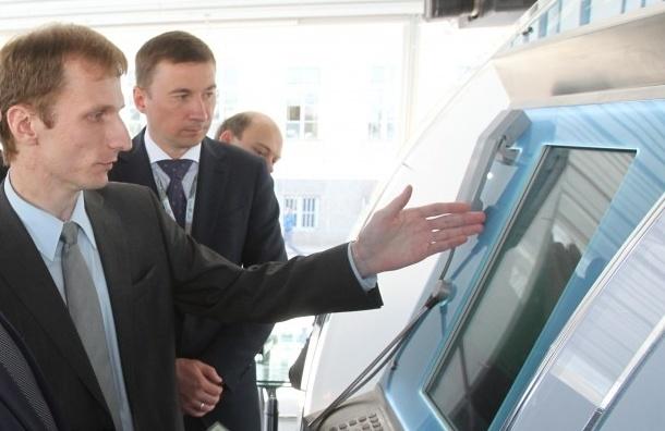 Полтавченко осмотрел мобильный офис электронного правительства (Кадры)
