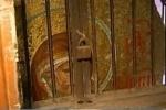 Икону, найденную в кафе на Невском, принес туда знаменитый «специалист» по церковным кражам
