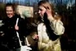 Видео, где школьницы издеваются над одноклассницей, попало в интернет