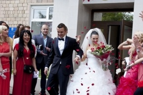Свадьба Феофилактовой из «Дом-2»: сколько она на ней заработала?