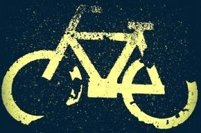 В Выборгском районе грузовик переехал велосипедиста