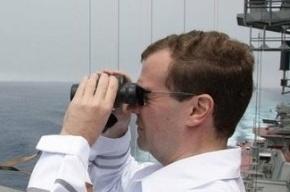 Медведев хочет с помощью «Единой России» вернуть себе пост президента