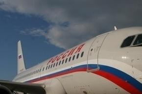 Самолет, летящий в Петербург, экстренно сел в Ростове