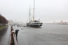 В Петербурге может произойти наводнение – вода в Неве поднялась в полтора раза