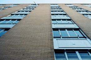 В Петербурге пенсионер выпрыгнул с восьмого этажа и погиб