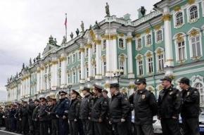 На Дворцовой площади 666 выпускников МВД превратят в полицейских