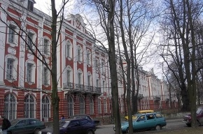 В СПбГУ объяснили, почему университет покупает дорогие иномарки и корабли