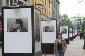 В центре Петербурга открылась фотовыставка к юбилею Цоя