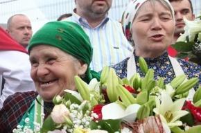 Бурановские бабушки в Питере: фоторепортаж