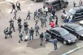 Зачинщиков драки у ТЦ Европейский в Москве брали с боем (видео)
