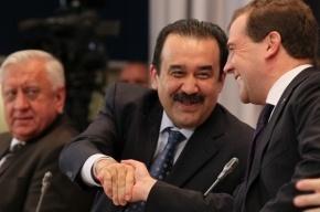 Медведев в Петербурге пообещал протащить в ВТО Белоруссию и Казахстан