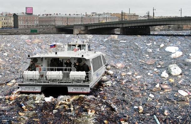 Какой вред наносят Петербургу водные туристы
