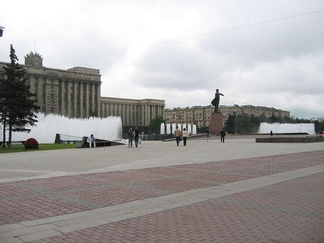 Московская площадь фонтаны: Фото