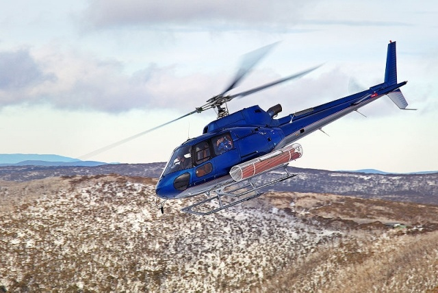 800px-Eurocopter_AS350B.jpg