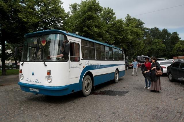 Ретро-автобус ЛАЗ-695: Фото