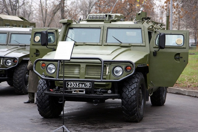 800px-R-145BMA_command_vehicle_on_GAZ_Tigr_chassis_2.jpg