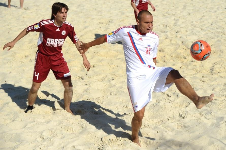 футбол игра узбекистон и рассичя