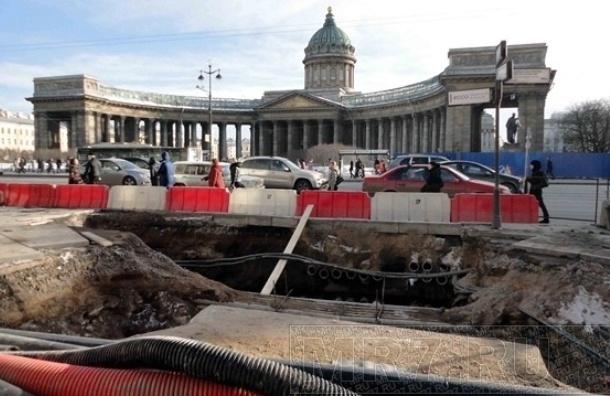 Восемь улиц Петербурга закрывают на ремонт