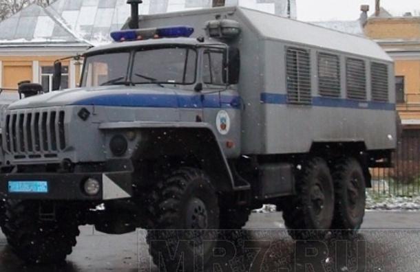 Полицейский автозак с задержанными попал в аварию под Тосно