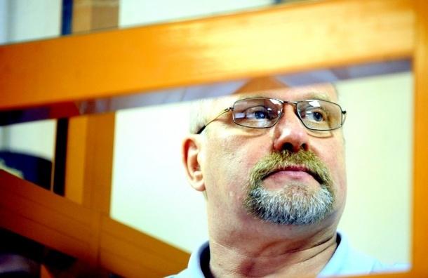 Бывший главный медик Минобороны получил 8 лет из-за томографов