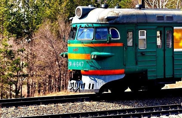 СК: Дети в Петербурге попали под поезд из-за своей беспечности