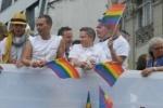 Гетеросексуалы вступились за геев Петербурга и ждут от властей ответа