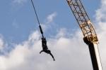 Приморские экстремалы нарушили закон о митингах, устроив прыжки с веревкой
