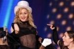 Милонов настоятельно рекомендует Мадонне не снимать рейтузы