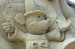 На пляже Петропавловской крепости откроются мультяшные скульптуры из песка