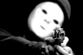 Люди в масках и с пистолетом ворвались в кафе на Петроградке