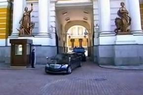 В ГИБДД не смогли опознать «Мерседес» Путина без номеров