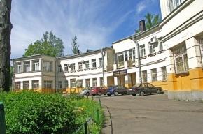 Невский институт языка и культуры выселяют приставы