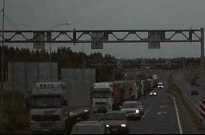 Почти тысяча машин стоят в пробке на границе России и Финляндии