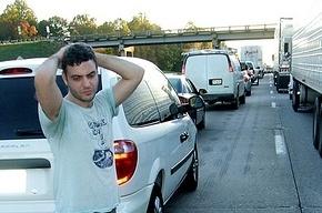 На Приморском шоссе ждут пробок, для движения - всего одна полоса