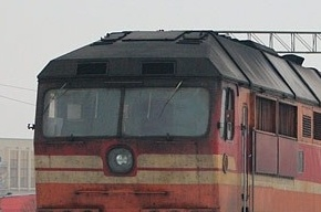 Мужчина бросился под поезд на Ржевке