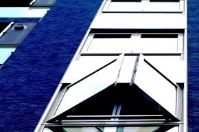 В Ленобласти отчаявшаяся пенсионерка прыгнула с пятого этажа
