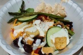 26 детей отравились салатом в детском лагере в Ленобласти
