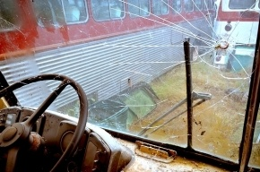 Туристический автобус врезался в фуру под Петербургом, есть погибшие