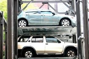 В центре Петербурга могут появиться временные паркинги между домами
