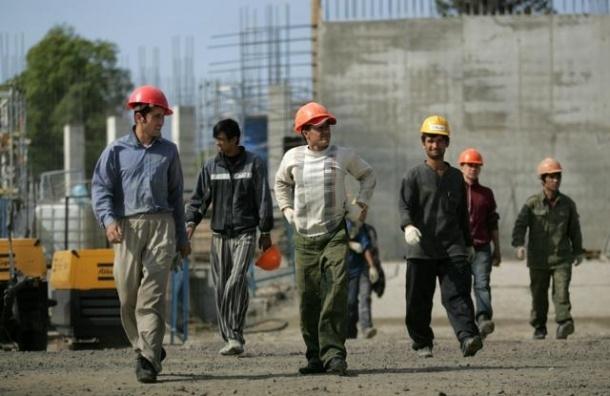 Каждый пятый россиянин не может устроиться на работу из-за мигрантов