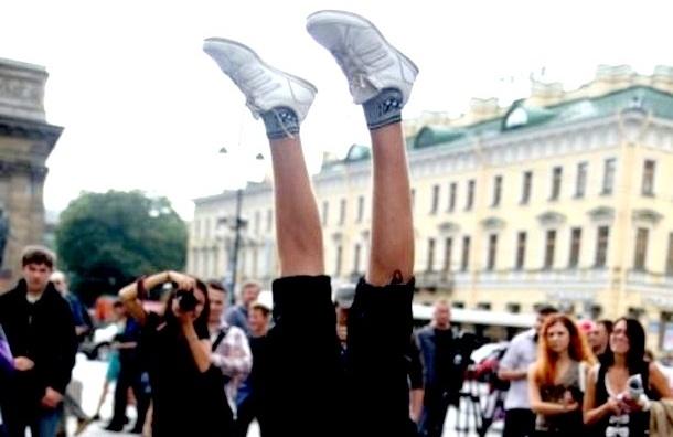 В Петербурге пройдет традиционный забег на руках