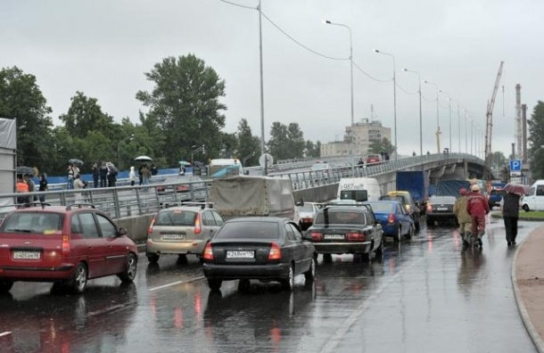 В Петербурге отменили пробки на пути в Приморский район