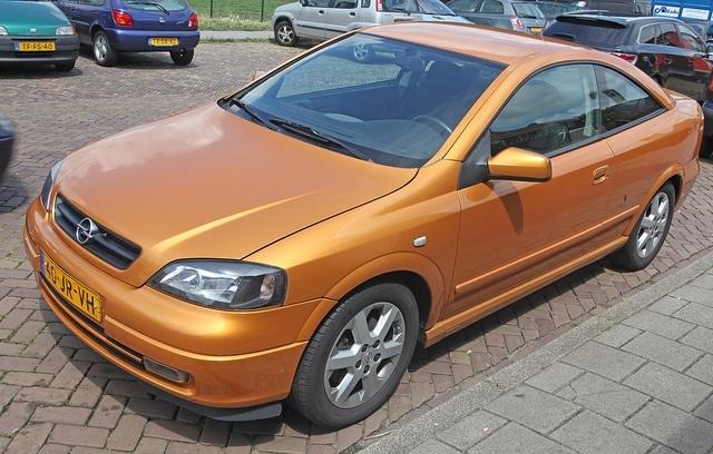 Opel Astra: Фото