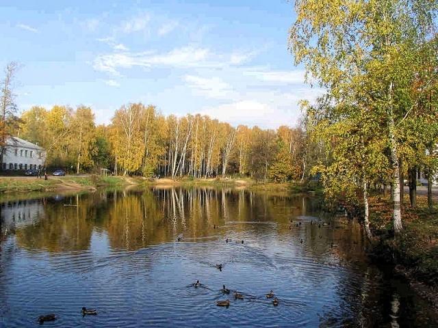 800px-Udelny_Park_Prud.jpg